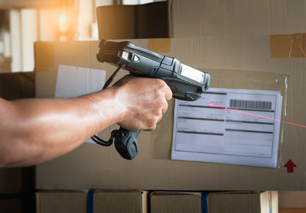 Logistics Company in Klang Malaysia scanning barcode